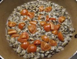 vongole e pomodorini in padella