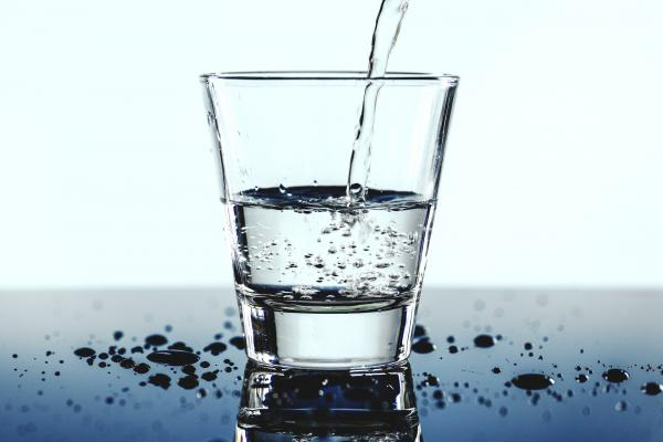 bere acqua durante la dieta